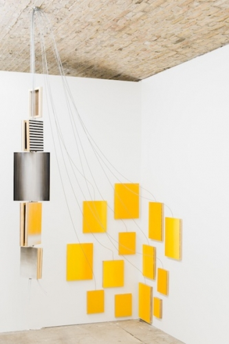 The Sun is Down, 2012 huile sur panneaux de bois, mylar, câbles d'acier, dimensionsvariables © Bertrand Stofleth / La Salle de bains